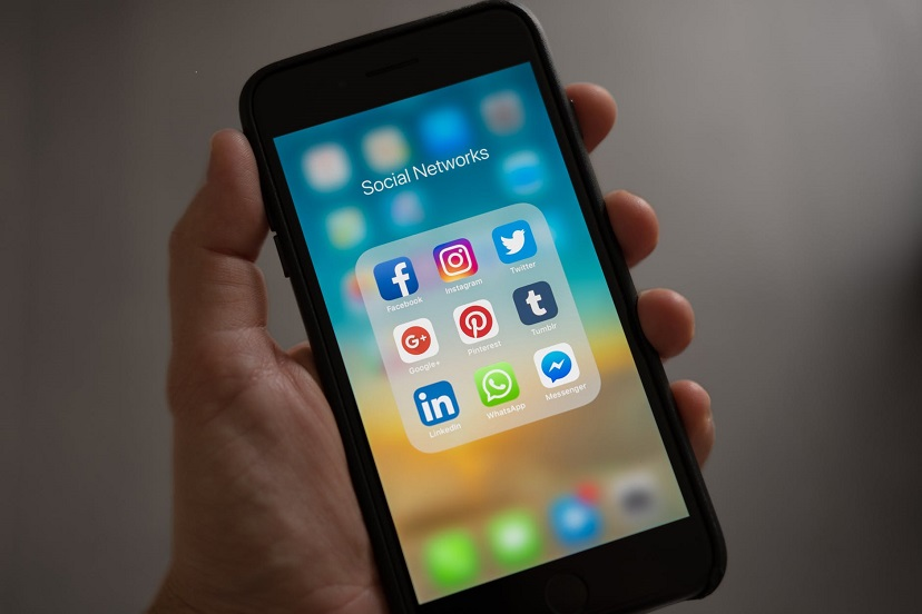 Evlenmek isteyen bayanların whatsapp, facebook, twitter, instagram bilgilerine ulaşın
