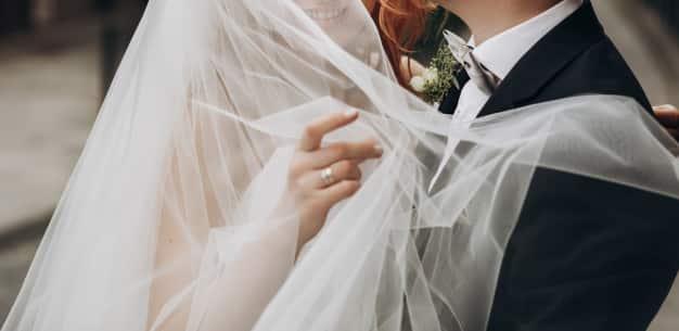 Evlilik düşünen bayan varsa bana yazsın lütfen